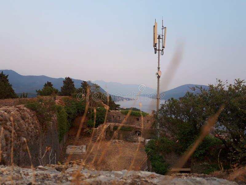 Visión desde la fortaleza de Igalo imagen de archivo