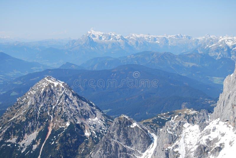 Visión desde la montaña de Dachstein fotografía de archivo libre de regalías