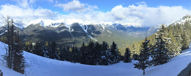 Visión desde la montaña del azufre, parque nacional de Banff fotografía de archivo libre de regalías