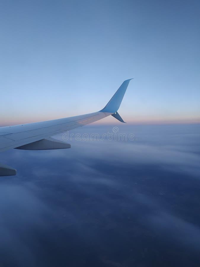 Visión desde la porta de los aviones imágenes de archivo libres de regalías
