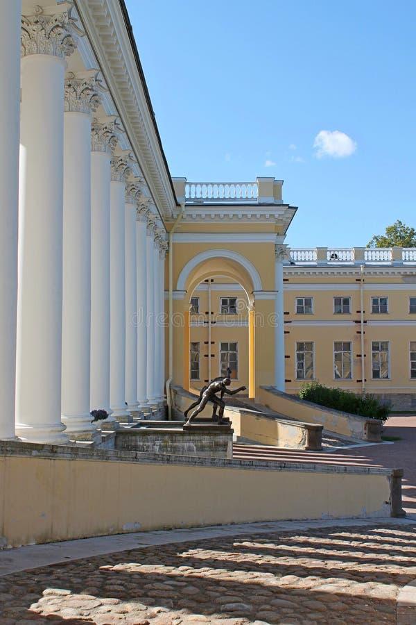 Visión desde la rampa izquierda Alexander Palace Ciudad de Pushkin imagenes de archivo