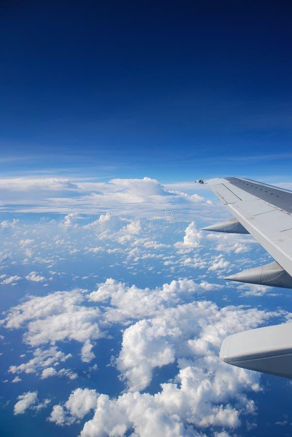 Visión desde la ventana del aeroplano fotografía de archivo libre de regalías