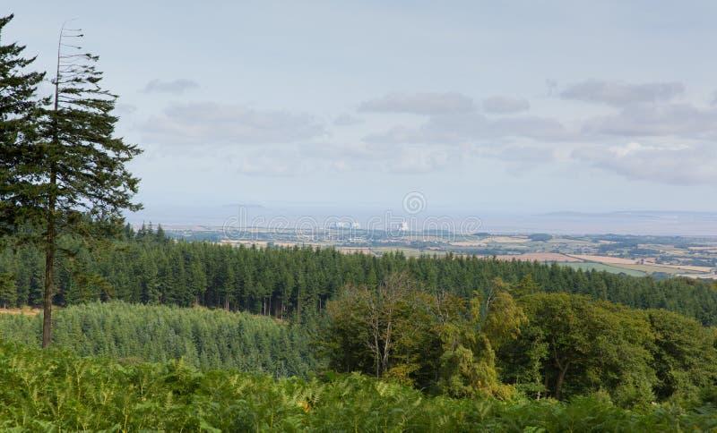 Visión desde las colinas Somerset England de Quantock hacia el punto de Hinkley imágenes de archivo libres de regalías