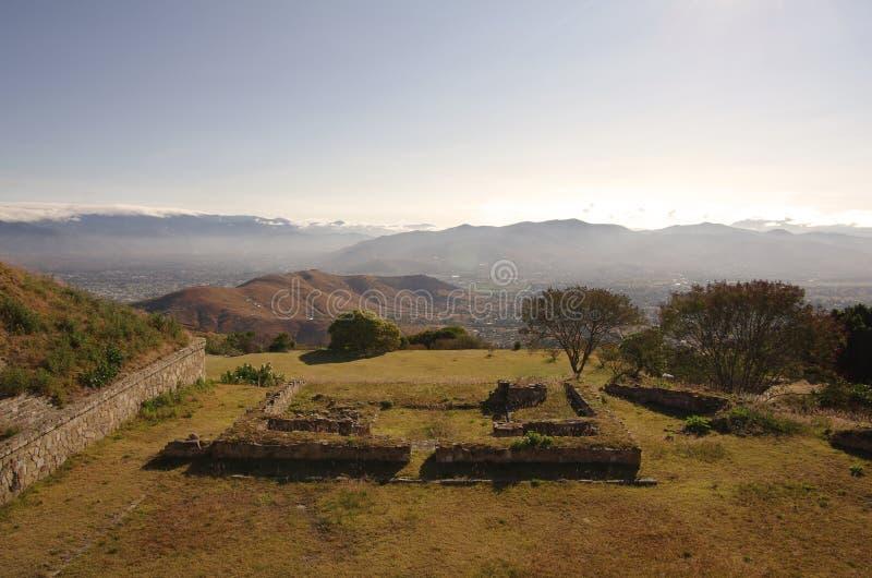 Visión desde Monte Alban foto de archivo