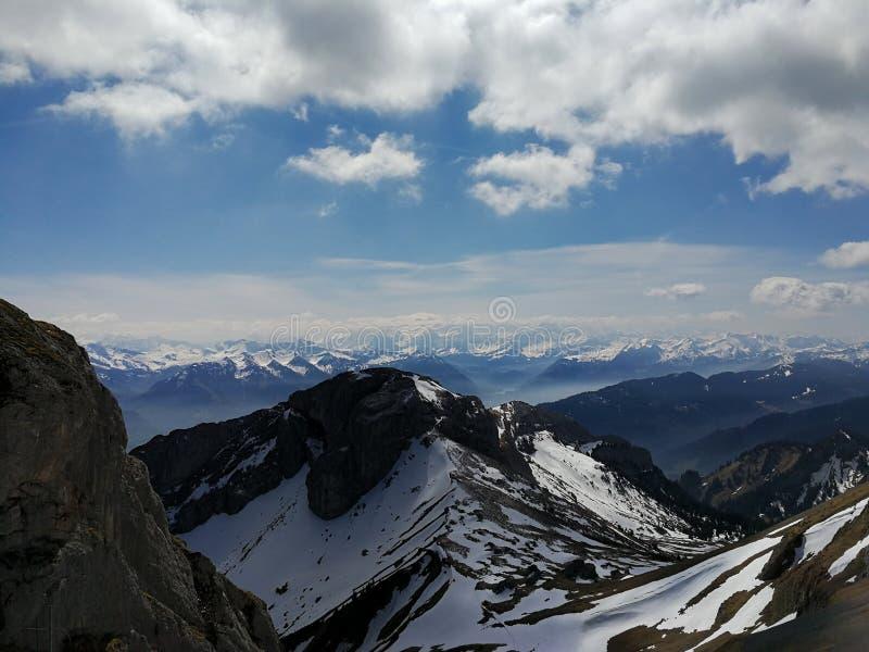 Visión desde Pilatus en Suiza, soporte Pilatus 2128 m fotografía de archivo