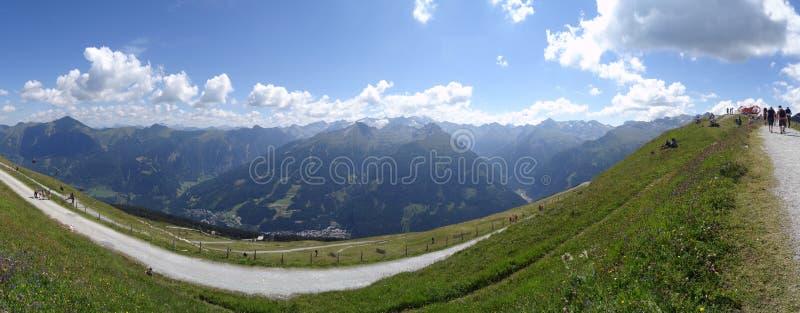 Visión desde Stubnerkogel, mún Gastein, Almorama, Salzburg, Austria imagen de archivo libre de regalías