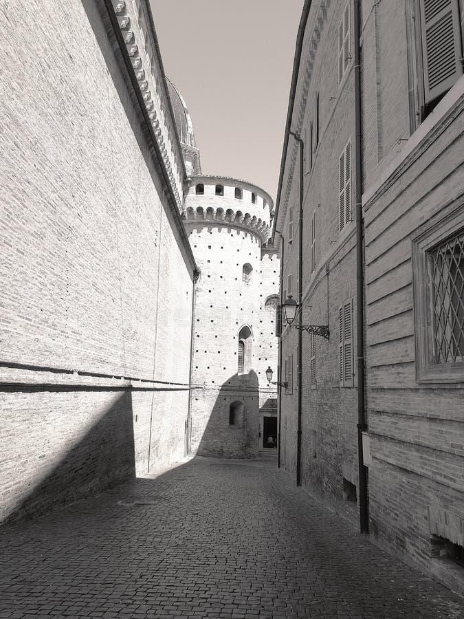 Visión en el centro medieval de Loreto, Italia foto de archivo libre de regalías
