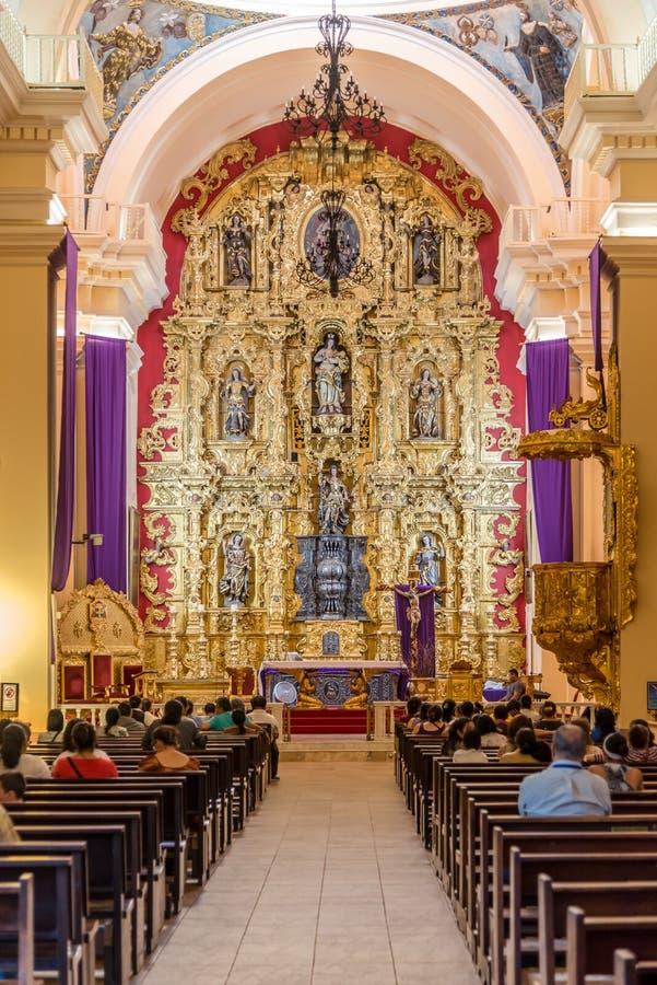 Visión en el interior de la catedral del santo Michael Archangel en Tegucigalpa - Honduras imagen de archivo libre de regalías