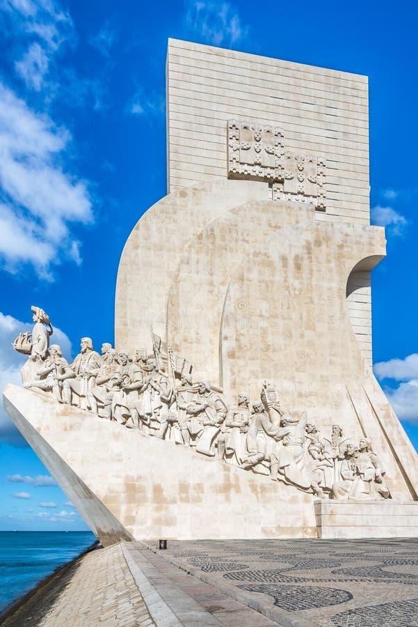 Visión en el monumento a los descubrimientos en Lisboa, Portugal imagenes de archivo