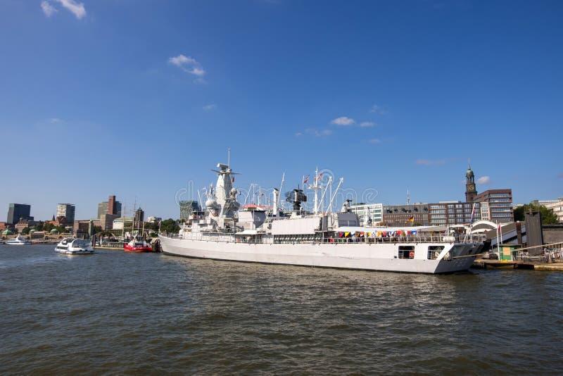 Visión en el puerto de Hamburgo en el río Elba Hamburgo, Alemania imágenes de archivo libres de regalías