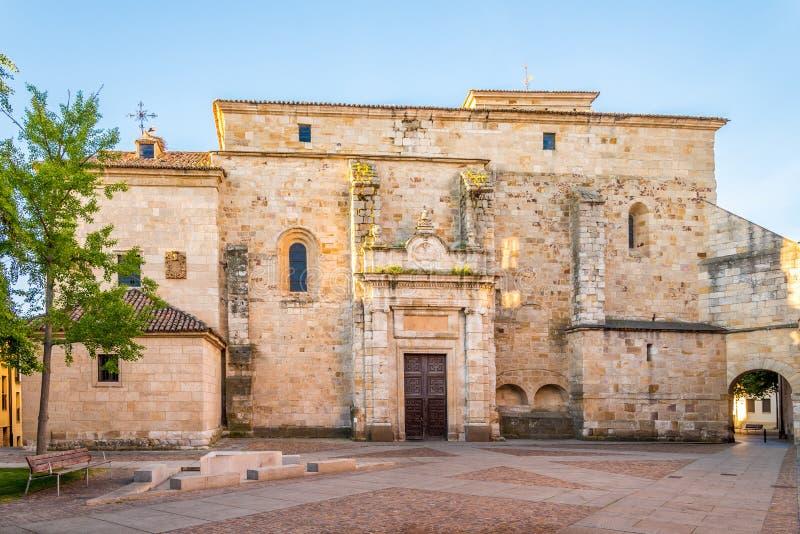 Visión en la iglesia de San Pedro y de San Ildefonso en Zamora - España fotografía de archivo libre de regalías