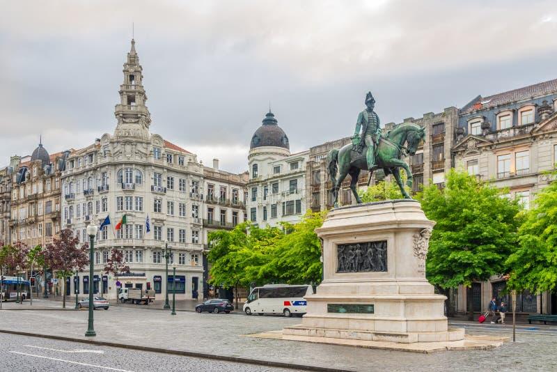 Visión en los edificios en el DOS Aliados - Portugal de Avenida fotos de archivo libres de regalías