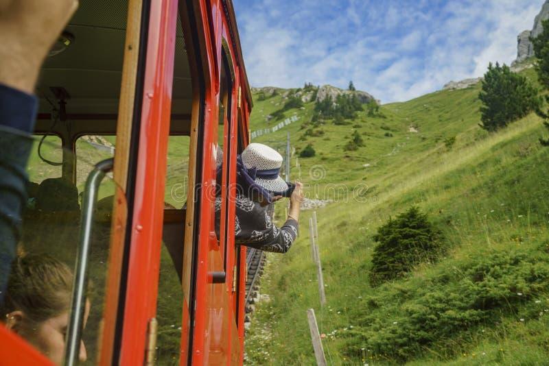 Visión escénica desde el tren especial que sube hasta el soporte Pila imagen de archivo