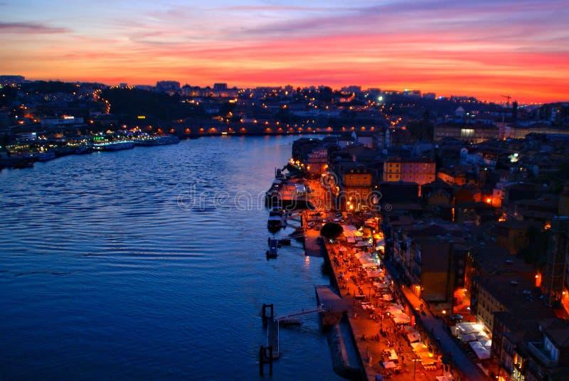 Visión escénica sobre el puente de Luis I en Oporto foto de archivo libre de regalías