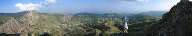 Visión panorámica desde la tapa de la montaña fotos de archivo