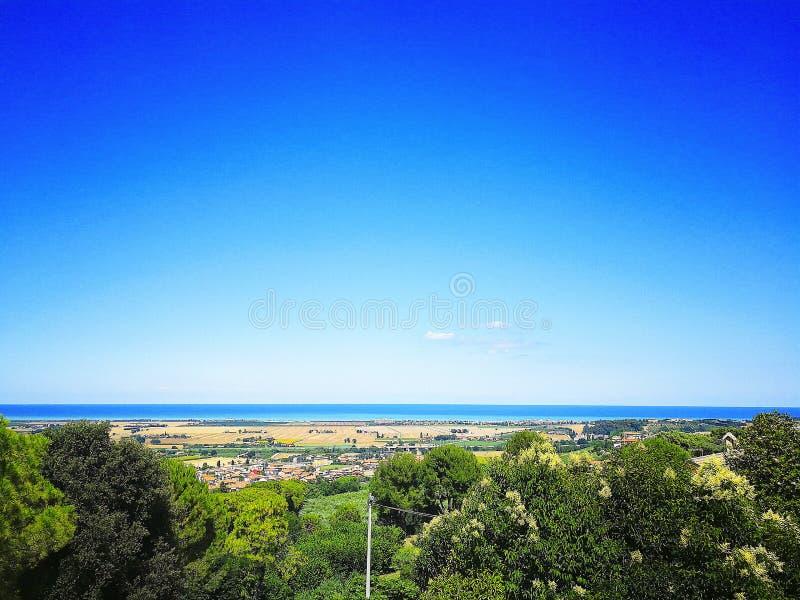 Visión panorámica desde Loreto, región de Marche en el mar adriático, Italia imágenes de archivo libres de regalías
