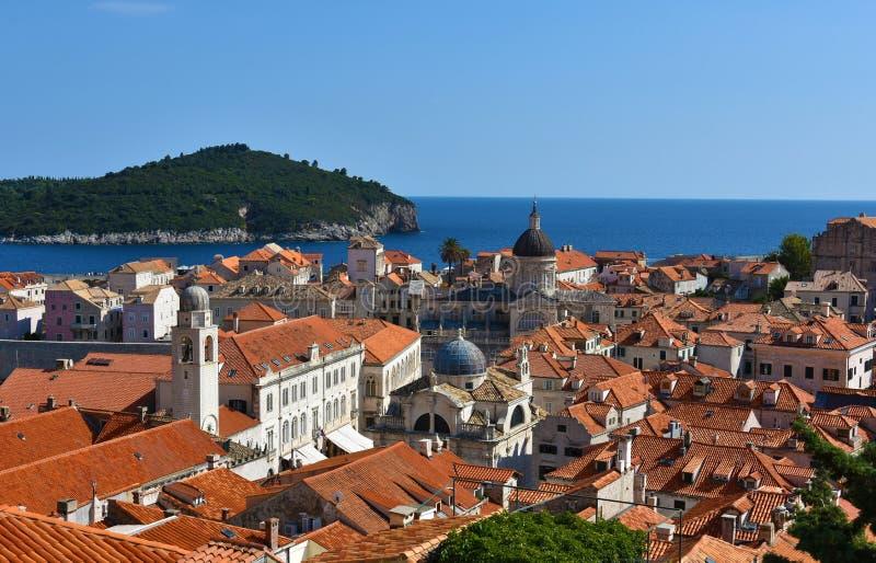 Visión panorámica Dubrovnik y Lokrum fotos de archivo libres de regalías