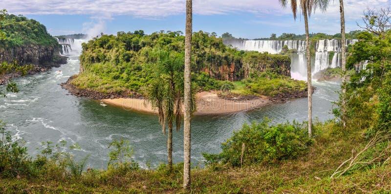 Visión panorámica, las cataratas del Iguazú, la Argentina fotografía de archivo libre de regalías