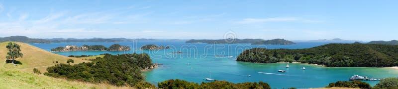 Visión panorámica sobre la bahía y la bahía de las islas, Nueva Zelanda de Otehei, fotos de archivo