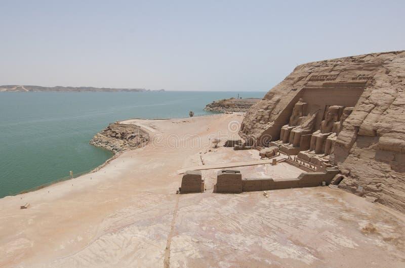 Visión sobre Abu Simbel al lago Nasser imagen de archivo