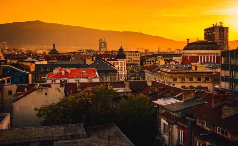 Visión sobre centro de ciudad en Sofia Bulgaria fotografía de archivo