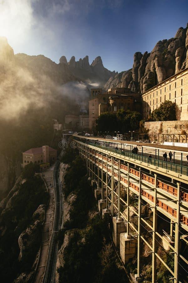 Visión sobre el puente de Monserrat Monastery imagen de archivo libre de regalías