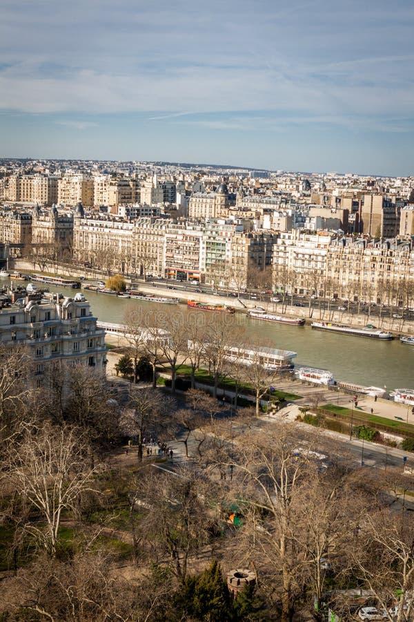 Download Visión Sobre Los Tejados De París Foto de archivo - Imagen de capital, histórico: 41912010