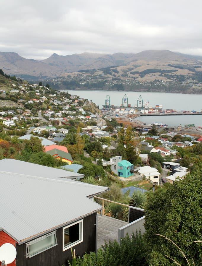 Visión sobre Lyttelton, Nueva Zelanda foto de archivo