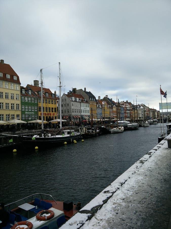 Visión sobre Nyhavn fotos de archivo