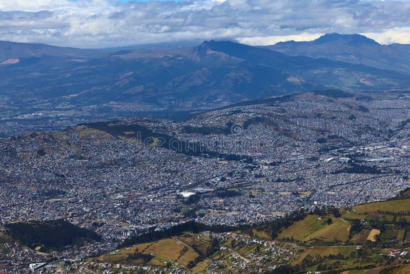 Visión sobre Quito meridional, Ecuador fotos de archivo libres de regalías
