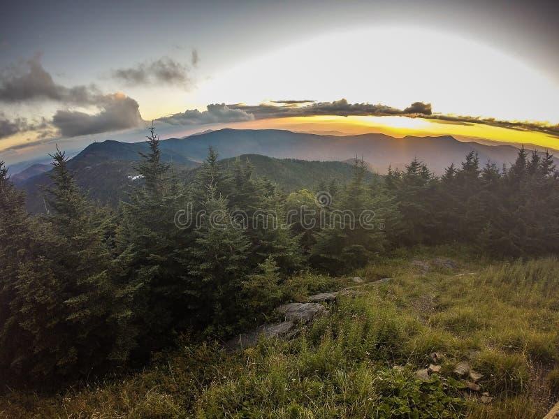 Visiónes escénicas en la puesta del sol encima del soporte mitchell foto de archivo