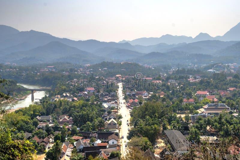 Visi?n sobre Luang Prabang, Laos fotos de archivo