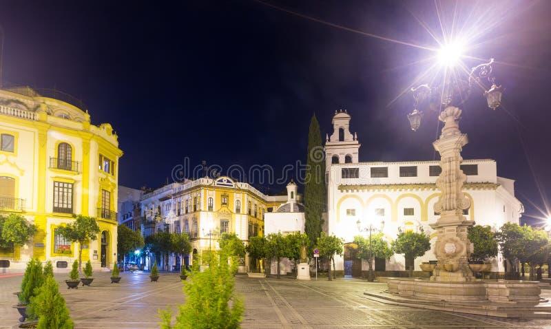 Visibilité directe Reyes de Plaza de la Virgen De dans la nuit Séville images libres de droits