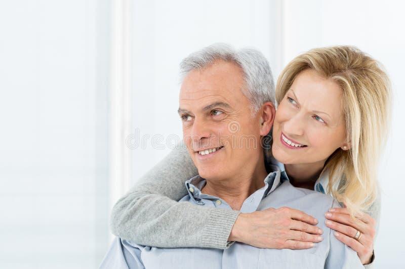 Vision mûre de sourire de couples photo stock