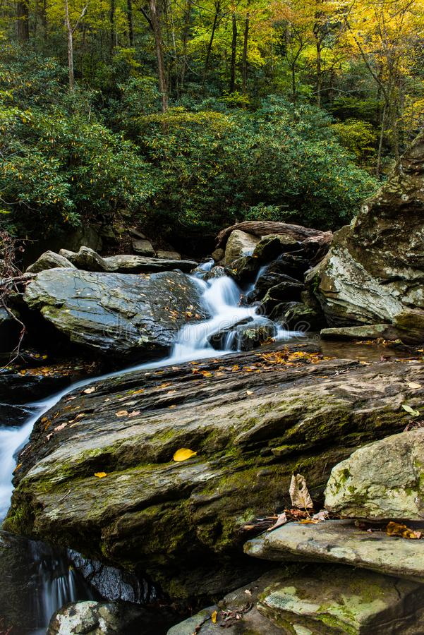 Vision unique des cascades de Saluda en Caroline du Nord photos libres de droits