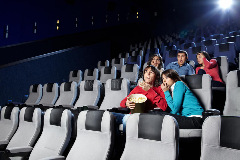 Visionnement de cinéma images stock
