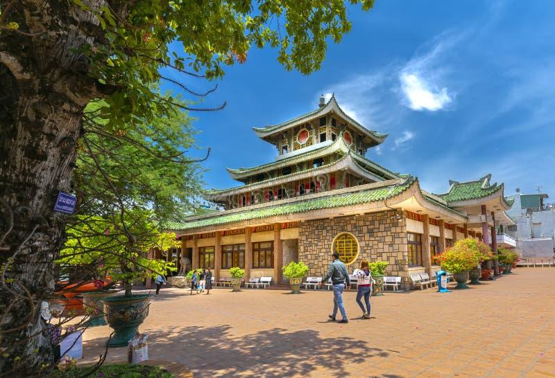 Visita de Buda en el templo de Chua Xu de los vagos foto de archivo libre de regalías