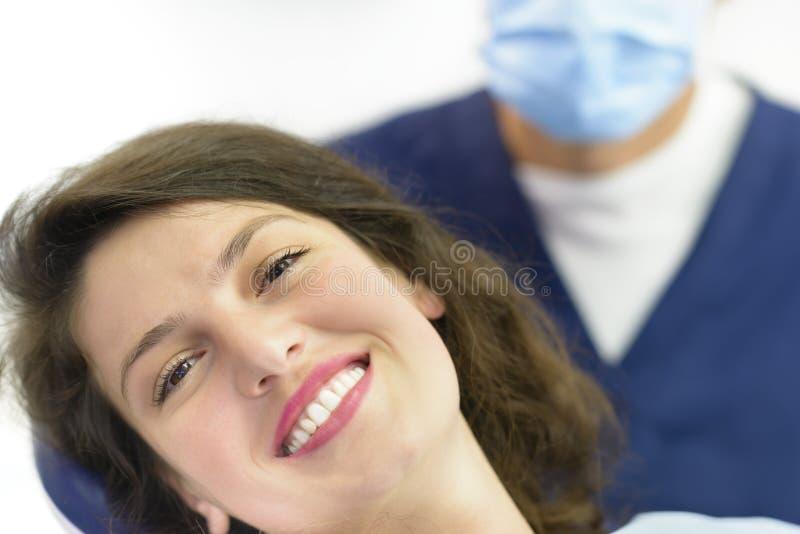 Visita del dentista imágenes de archivo libres de regalías
