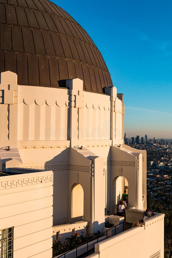 Visita Griffith Observatory, Art Deco Icon della gente a Los Angeles fotografia stock