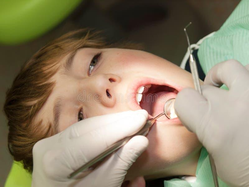 Visita odontoiatrica fotografia stock libera da diritti