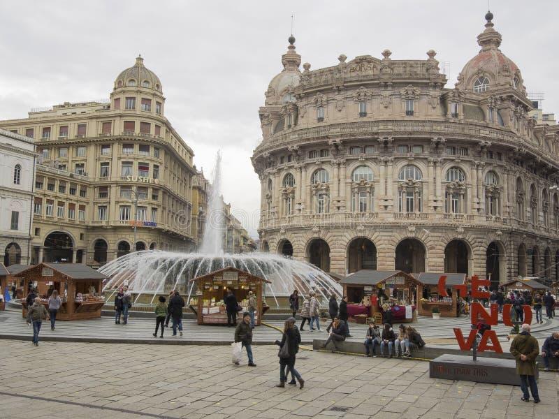 Visita Piazza de Ferrari, il quadrato principale dei turisti di Genova fotografie stock