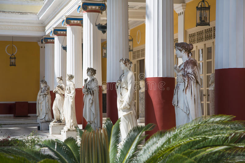 Visita turística de excursión en Corfú/Grecia: Castillo de la emperatriz Elisabeth II de fotos de archivo