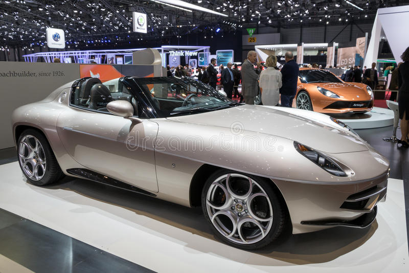 Visitando o carro de esportes de Romeo Disco Volante do alfa de Milão fotos de stock royalty free