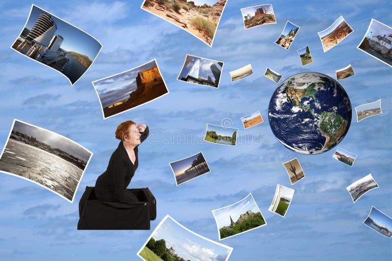 Visitando o mundo em uma mala de viagem mágica fotos de stock