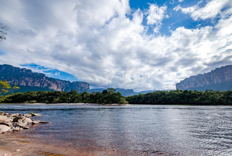 Visitant le pays à la grande savane, le Venezuela photos stock