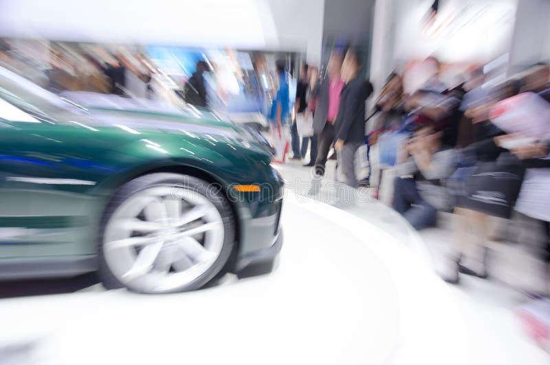 Visitantes chinos del lanzamiento del enfoque al salón del automóvil de Guangzhou imagenes de archivo