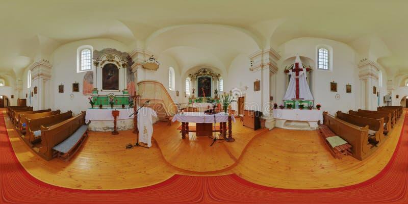 Visitation de nuestra señora Catholic Church Interior en el ¡l (CăluÈ™eri), Rumania de Székelykà imagen de archivo libre de regalías