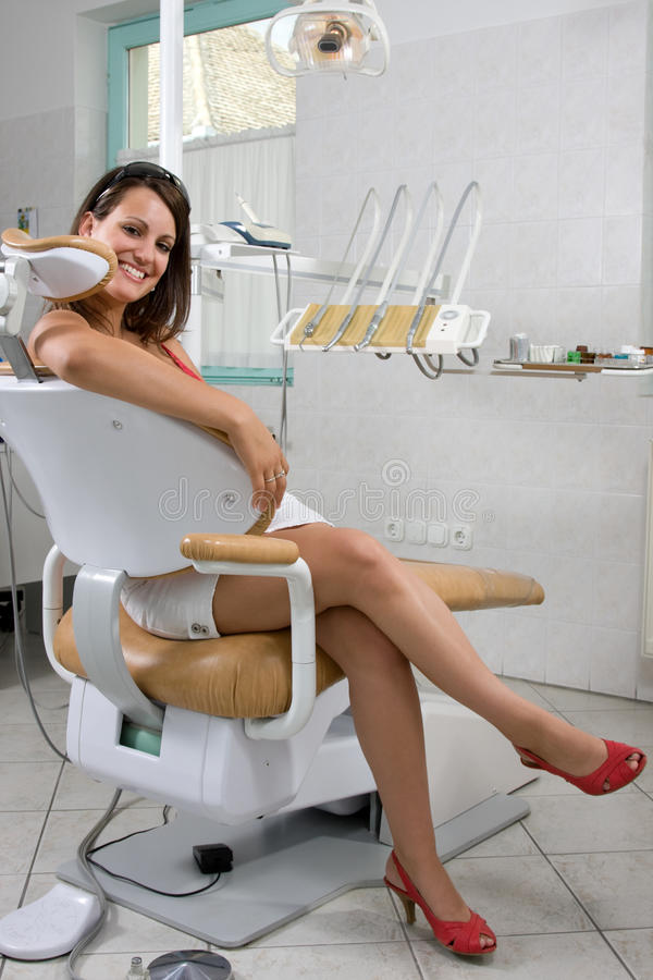 Visite au dentiste image stock