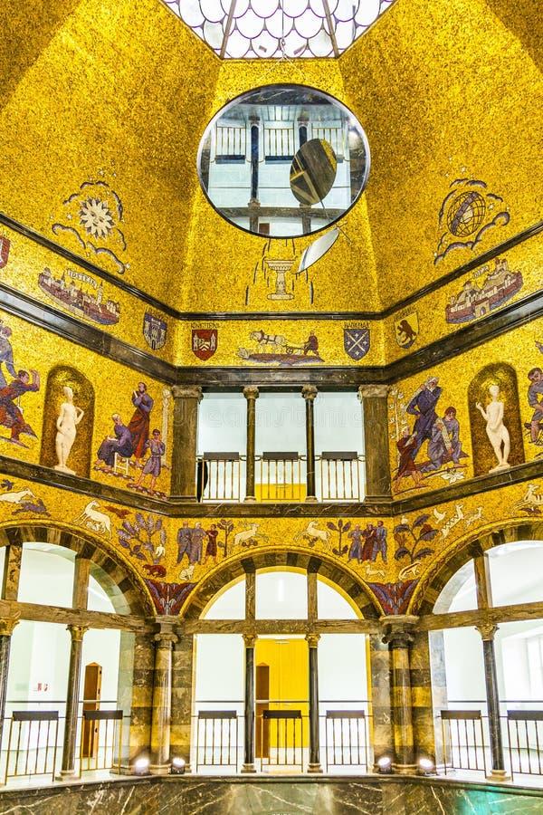 Visite dans le musée de ville à Wiesbaden images libres de droits
