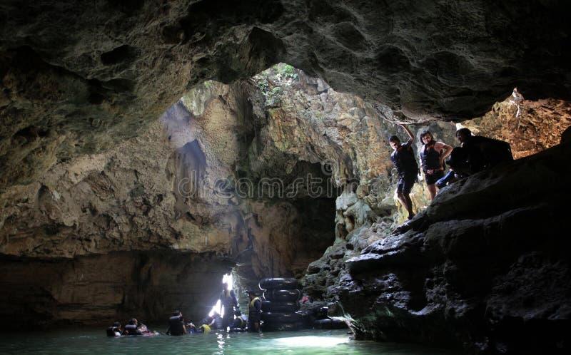 Visite de caverne de frange image libre de droits